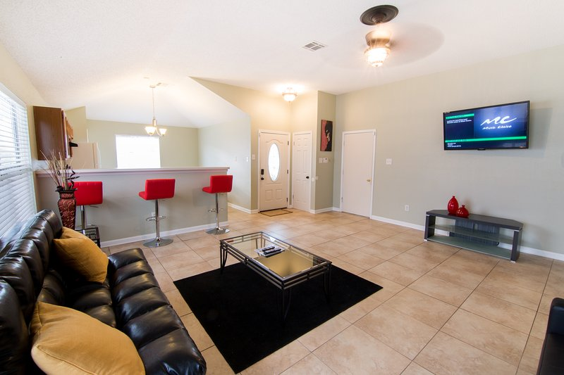 BOOK NOW!!! STYLISH AND SPACIOUS 3 BEDROOM/ 2 BATHROOM HOME CLOSE TO DOWNTOWN!!!, casa vacanza a Chalmette