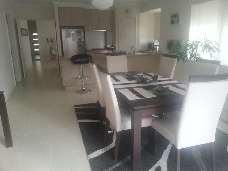 / soggiorno / sala da pranzo aree cucina
