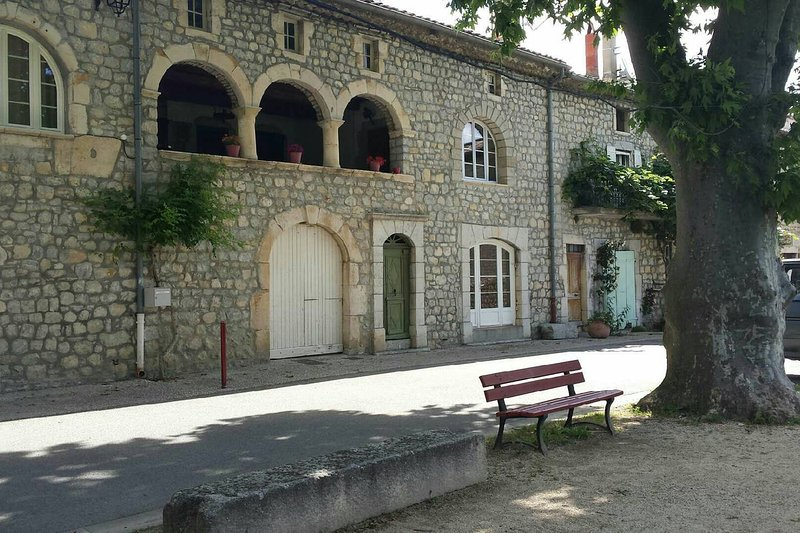 'Chez Mamie' à St Maurice d'Ibie, location de vacances à Alba-la-Romaine