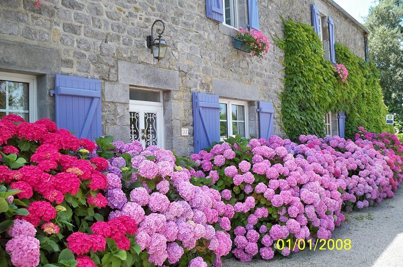 Chambre les Hortensias, vacation rental in Quettreville-sur-Sienne