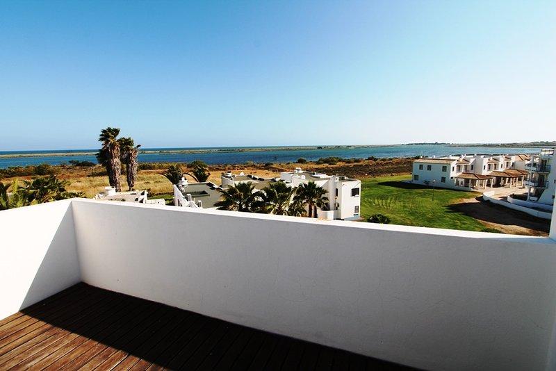 Realmente um belo terraço que irá oferecer muitos momentos maravilhosos e relaxantes.