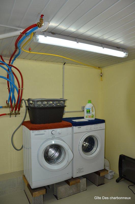 Lavadora, secadora y botas + lavado prestación seco.