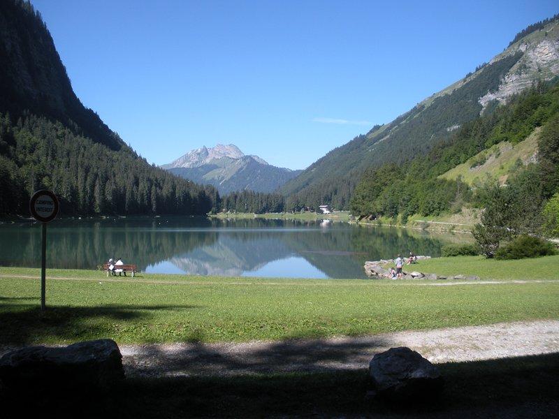 Lac de Montriond near to Les Gets
