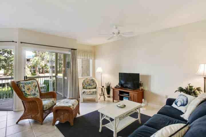 Chambre confortable familiale avec canapé-lit Sleep Number et beaucoup de lumière naturelle