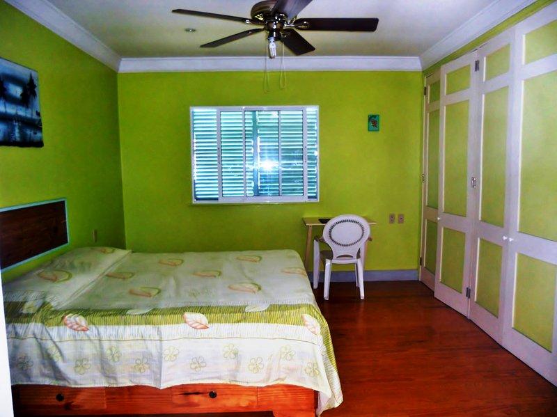 CHAMBRE SUPÉRIEURE QUEEN (SUPERIOR QUEEN BEDROOM), vacation rental in Sosua