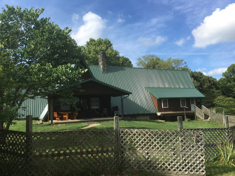 The Chalet 1st Choice Cabin Rentals Hocking Hills, location de vacances à Haydenville