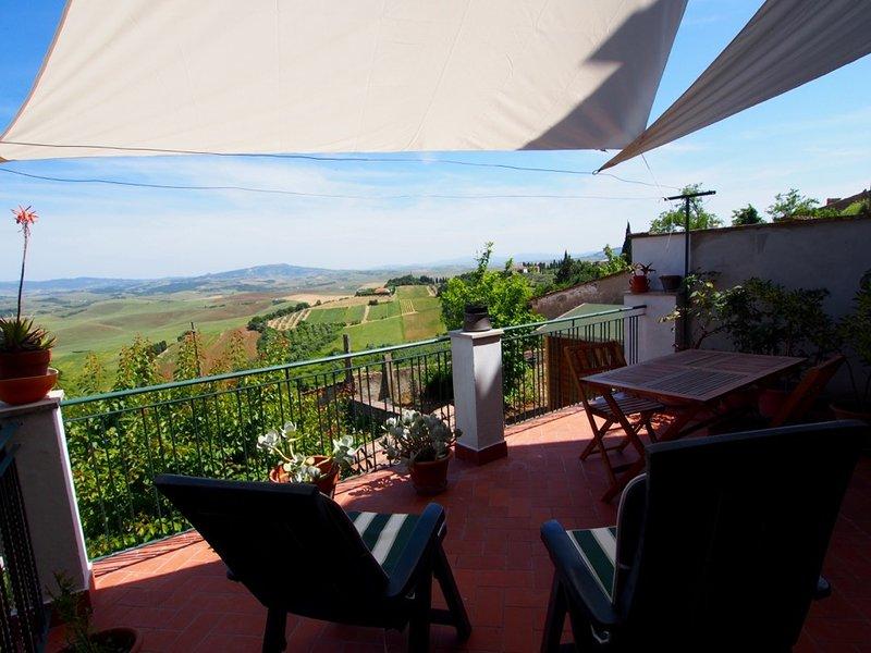 Terrazza con vista mozzafiato, vacation rental in Lajatico