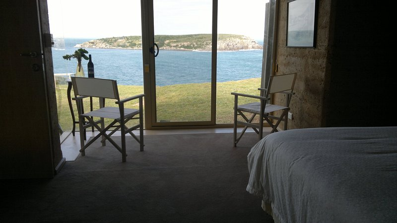 Headland house bedroom view to West Island