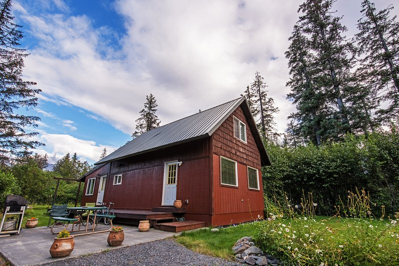 Make the most of your Alaska retreat at this 2-bedroom, 1-bath vacation rental!