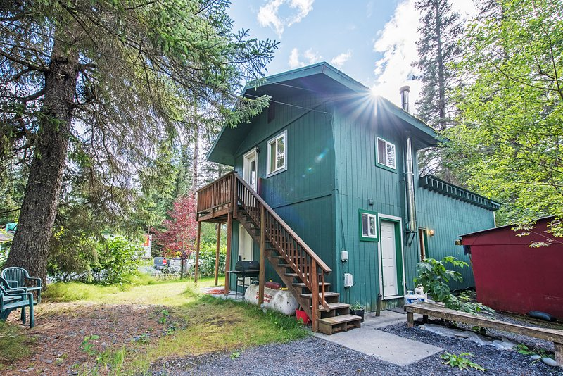 Experience the Alaskan stay of a lifetime with this Seward studio!