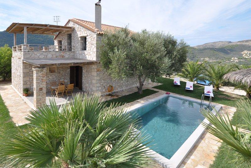 Villa εξωτερική & πισίνα