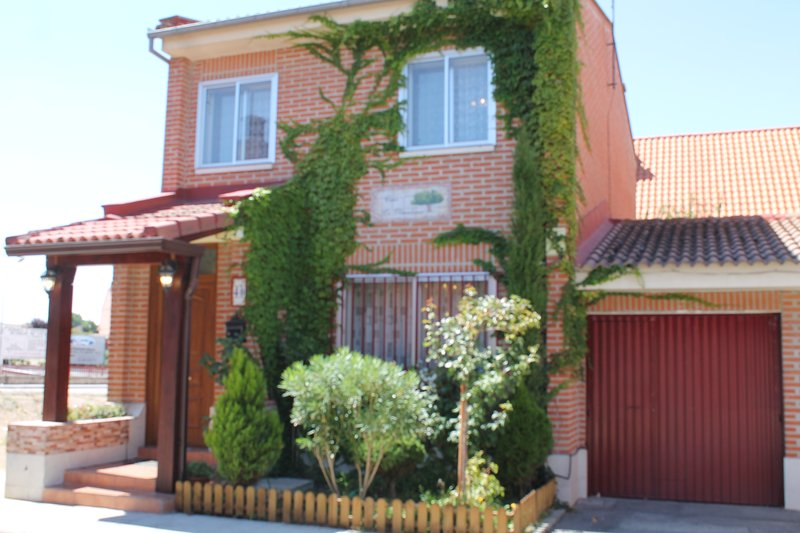 Casa La Olmedana, holiday rental in Montejo de Arevalo