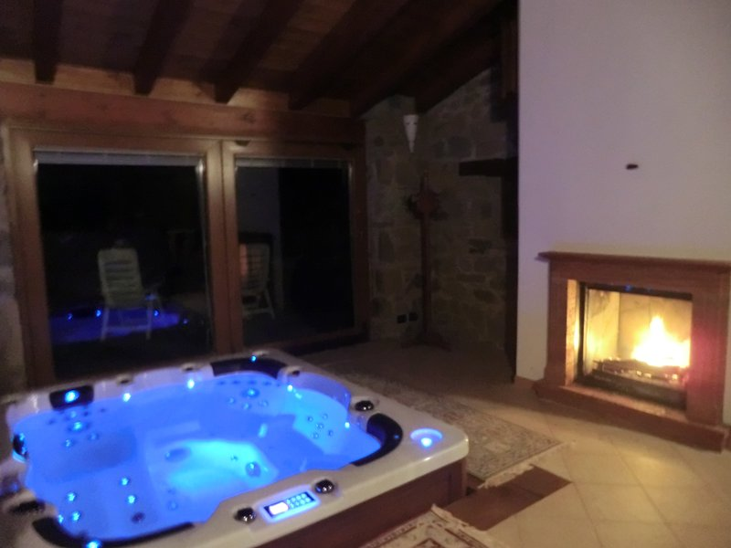 Small Villa on the Appennines, vacation rental in Serramazzoni