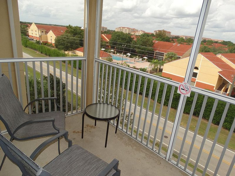 Bench,Chair,Furniture,Balcony,Downtown