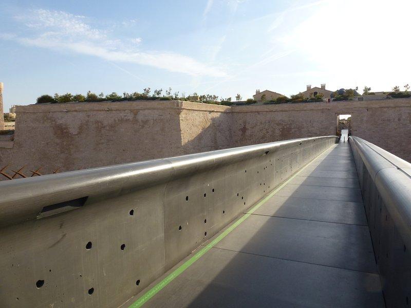 Puente que conduce a Mucem 2mn