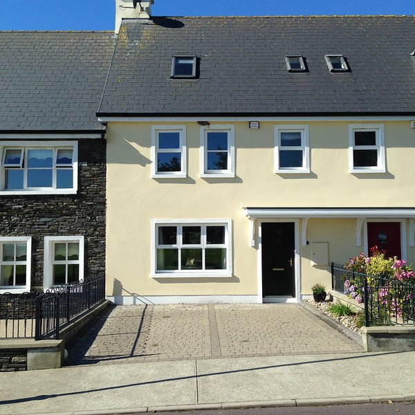 Adare Cottage, vacation rental in Glandore