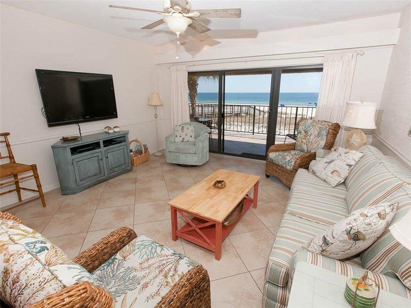 Oven,Bedroom,Indoors,Room,Couch