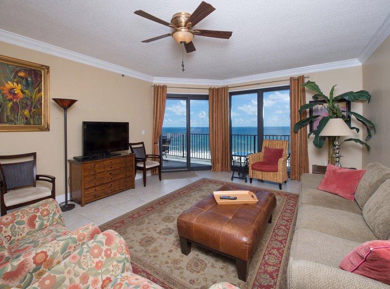 Living area ocean front