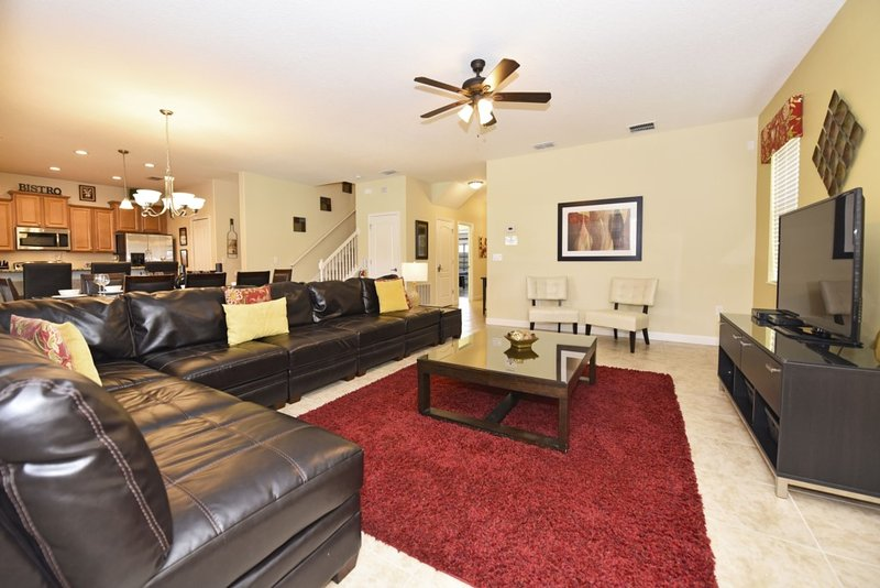 Carpet,Home Decor,Couch,Furniture,Indoors