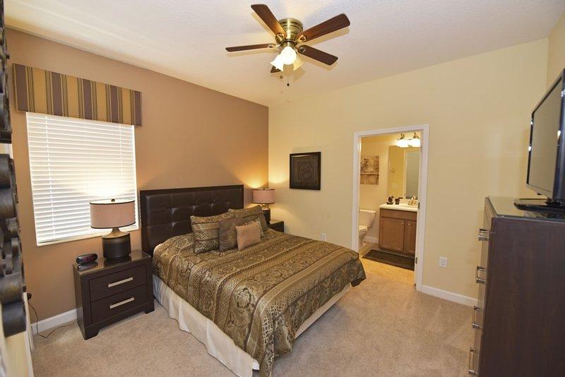 Bed,Bedroom,Furniture,Light Fixture,Indoors