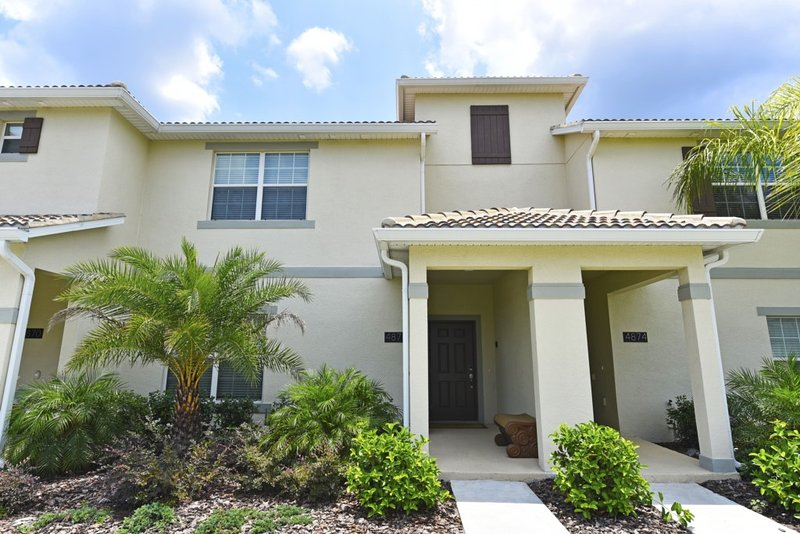 Building,Tree,Cottage,Yard,Palm Tree