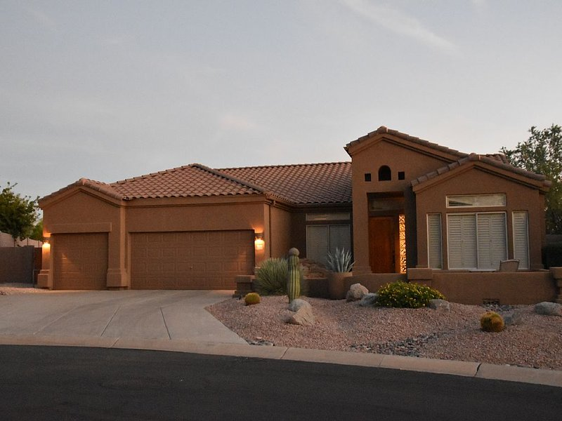 Golf Course Home W Mountain & City Views TOP RATED, vacation rental in Mesa