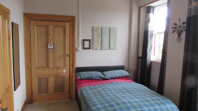 Pine Guest House (Double Room), holiday rental in Tore