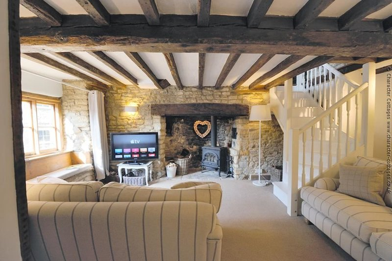 Chippy Cottage is a beautifully refurbished Cotswold stone cottage, holiday rental in Chipping Norton