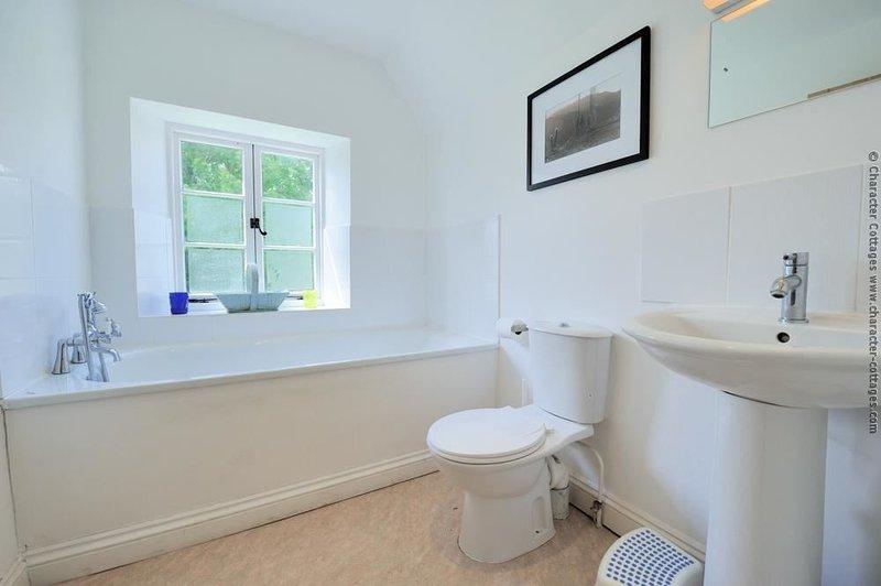 The en-suite bathroom