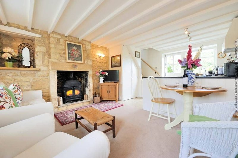 Welcome to the beautiful Foxglove Cottage, in Blockley