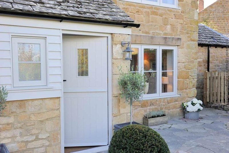 Welcome to the fabulous July Cottage, in Ilmington
