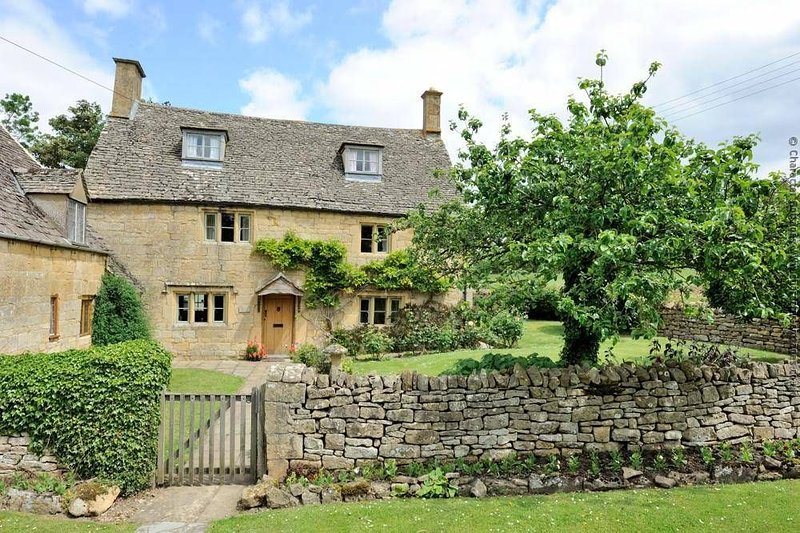 Welcome to the picture-perfect Orchard Cottage, in Saintbury