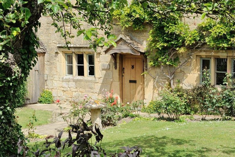 Orchard Cottage, a beautiful piece of history in the Cotswolds