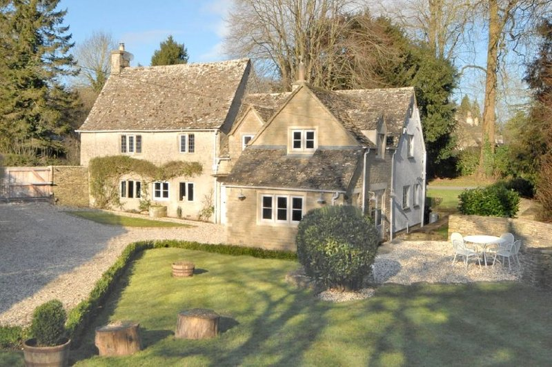 Saintbridge, a beautiful cottage in the heart of the Cotswolds