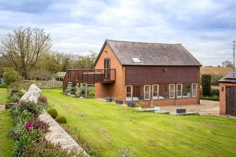 The Granary, a fabulous cottage in beautiful grounds