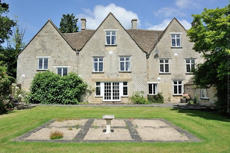 The Gables, an impressive eight bedroom country house