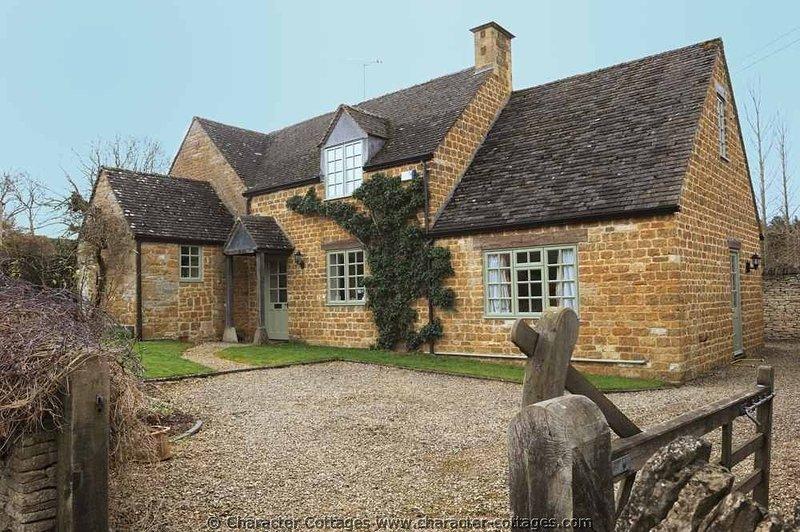 The Sheiling - an elegant, detached property in Oddington