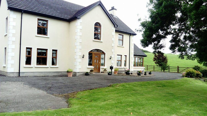 Curran View Luxury Accommodation, holiday rental in Brookeborough