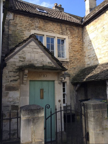 1750s cottage full of charm and character, sleeps up to 9. Perfect base for exploring Bath