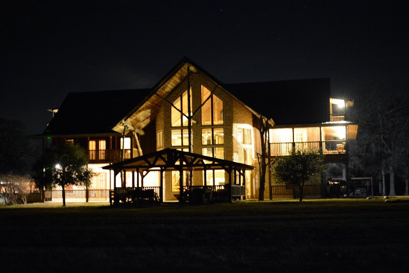 PENINSULA RANCH and LODGE, casa vacanza a Emory