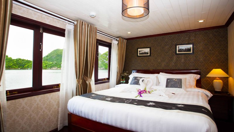 Halong Bay Cruise From Hanoi, holiday rental in Hanoi