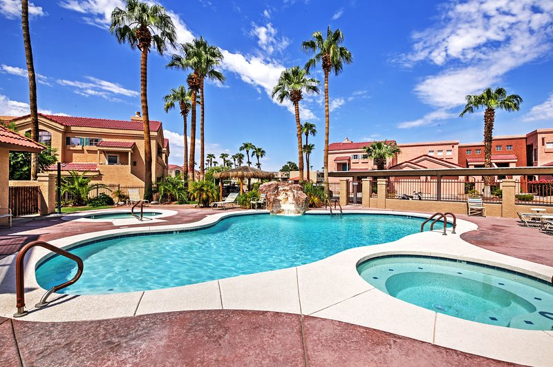 Pack your bags for a vacation at this Lake Havasu vacation rental condo!