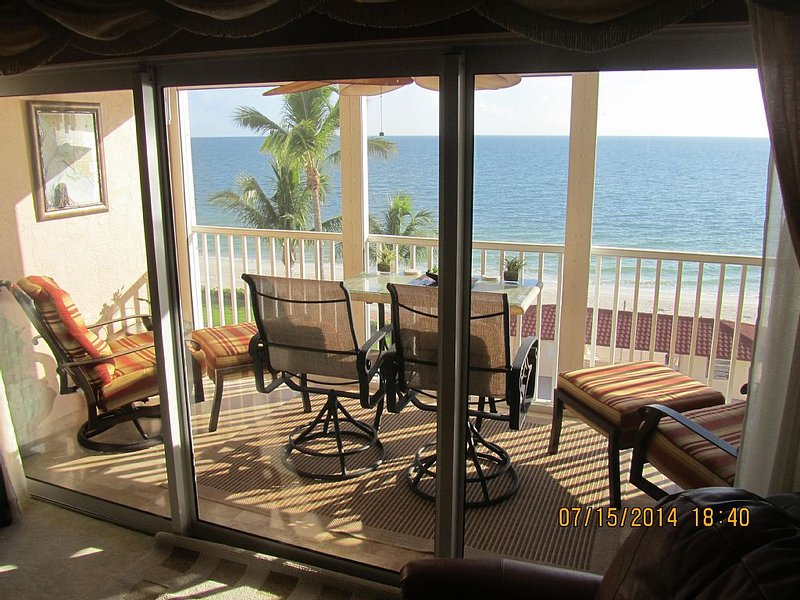 The KILLER panoramic view from the most comfortable lanai in Dolphin Way