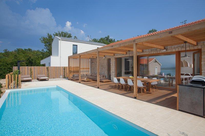 Design Villa Olea, seaview and pool, holiday rental in Klimno