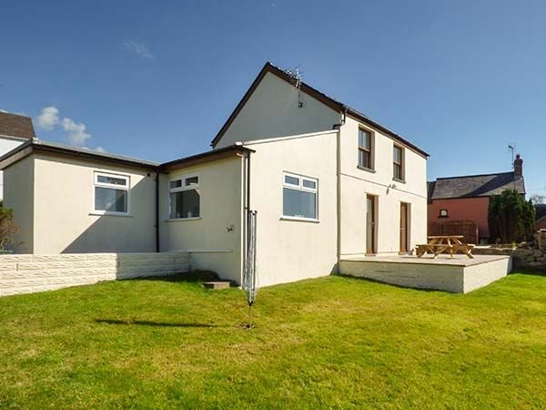 Cleveland Holiday Cottage, Llangennith, Gower, UK, vacation rental in Swansea