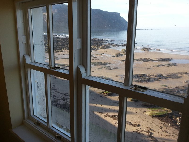 Soundwaves Cottage in Gardenstown, vacation rental in Macduff