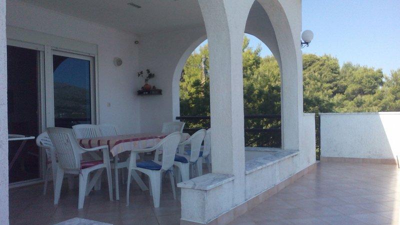 B1 Lođa (2+1): terrace