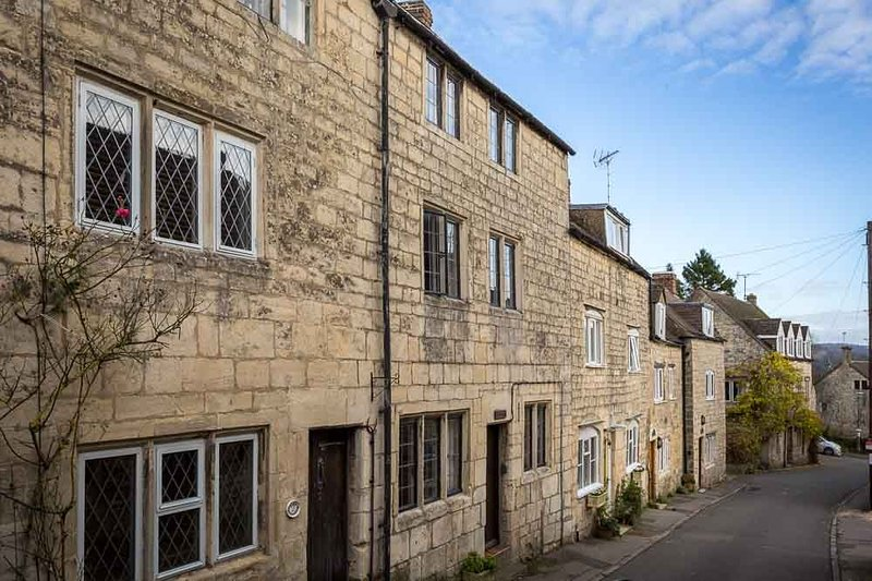 Welcome to Flax Cottage, in the heart of Painswick