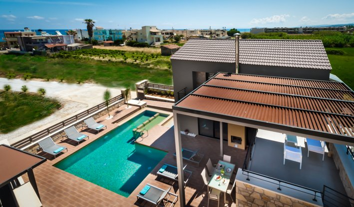 Modern villa with heated swimming pool  in Chania, Ferienwohnung in Platanias