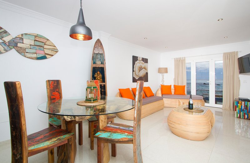 Pebbles Deluxe Apartment, On the Ocean, Lush Views, Quaint Village, Hybrid Car, vacation rental in Punta Mujeres